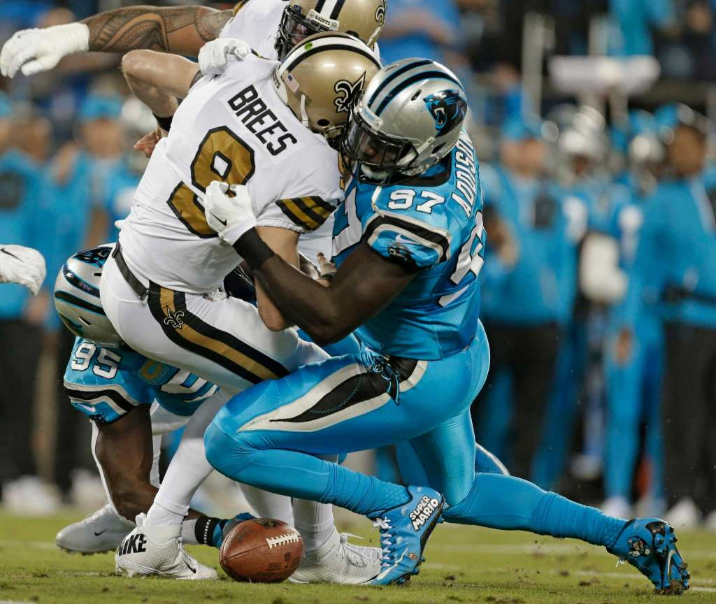 drew-brees-getting-tackled